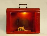 Φορητός έρως, κερί, μεταλλικό κουτί και ηλεκτρικό φως 36 Χ 40 Χ 10 εκ